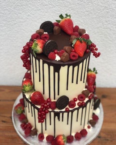 Ovocný dvoupatrový dort