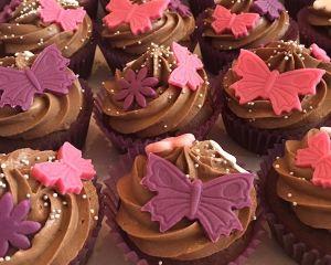 _okol_dov_cupcakes_s_marcip_novou_dekorac_