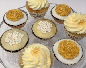 Cupcakes_na_zlatou_svatbu_s_kr_mem_a_marcip_nem