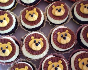 Cupcakes_s_vanilkov_m_kr_mem_a_lv_kem