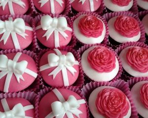 Cupcakes marcipánové - dárky a růže