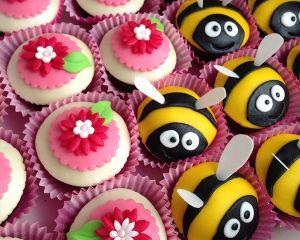 Marcip_nov_cupcakes_s_kyti_kou_a_v_eli_kou