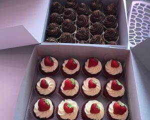 Cupcakes vanilkové, čokoládové a pistáciové