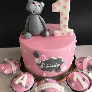 Dort s šedým medvídkem a cupcakes