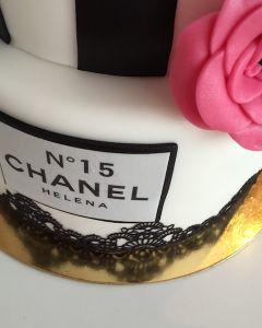 Narozeninov_Chanel_dort