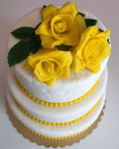 svatební dort 3.p. žluté marcipánové růže