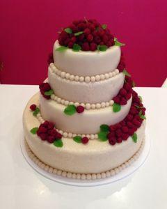 svatební dort 4.p. marcipánový s malinami