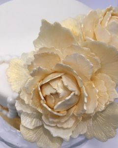 svatební dort - zlatá svatba - zlaté květiny