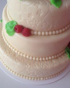 svatební dort marcipánový - maliny