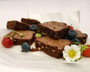 Brownies_s_o_kem_a_ovocem