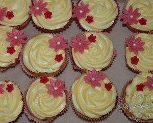 Cupcakes_s_vanilkov_m_kr_mem